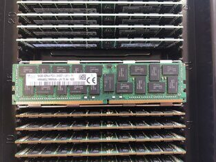 Модуль памяти HPE 840759-091 64GB Quad Rank x4 DDR4-2666 Load Reduced